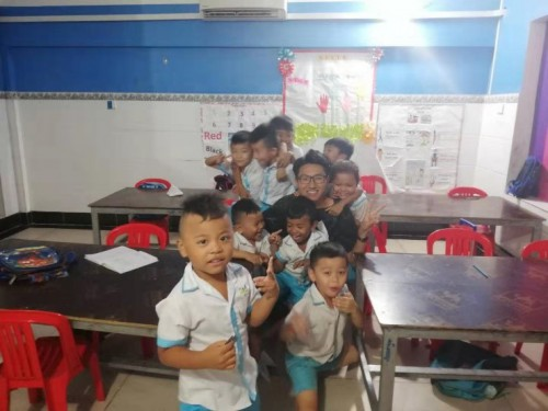 7.Volunteering with AIESEC in Cambodia -  黄升 (HUANG SHENG)  (Steve)